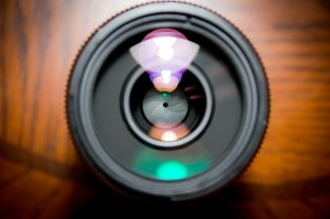 camera-lens-458045_640-300x199