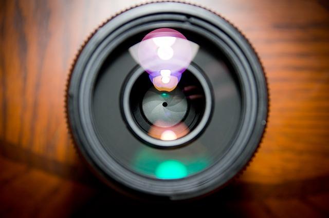 camera-lens-458045_640.jpg