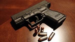 handgun-231699_640-300x169