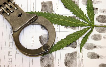 marijuana-handcuffs-eb.jpg