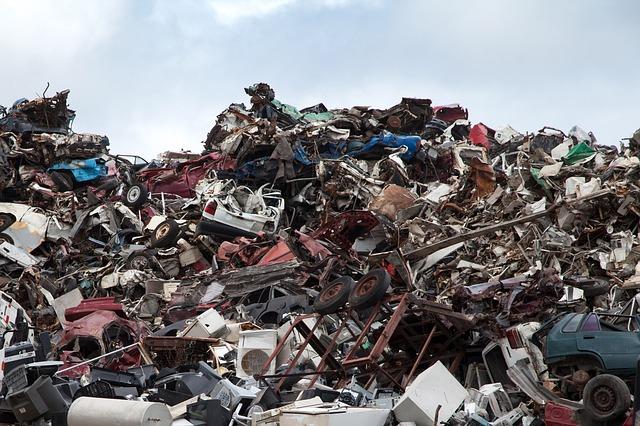 scrapyard-70908_640.jpg